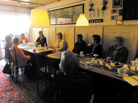 Vorlesering-Intitiativen wie das Literarische Café feiern ihr fünfjähriges Jubiläum. (Foto: gf / cc-by-sa)