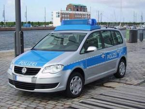 Polizeiwagen (Foto: Garitzko / Wikipedia, PD)