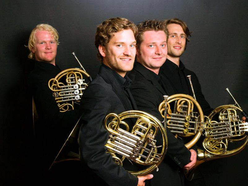 German Hornsound: Die vier exzellenten Hornisten werden beim Musikalischen Sommer Richard Wagner & Giuseppe Verdi kombinieren. (Foto: © Atelier Scheuning)