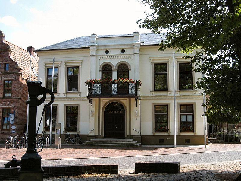 Norder Rathaus (Foto: WHVer, Uwe Karwath / Wikipedia, cc-by-sa)
