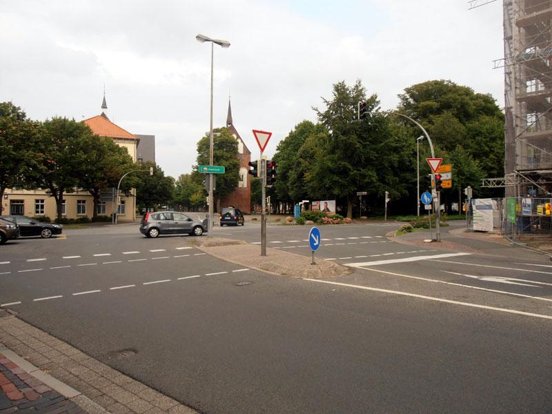 Auch an der Kreuzung Westerstraße / Norddeicher Straße wird es weiterhin zu Behinderungen kommen. (Foto: ts, cc-by-sa)