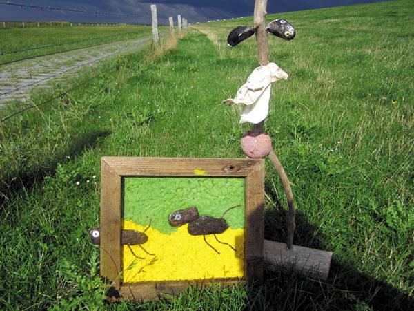 """""""Watt ist Kunst"""" zeigt vor allem Gemälde und Skulpturen aus Treibgut der Leybucht."""