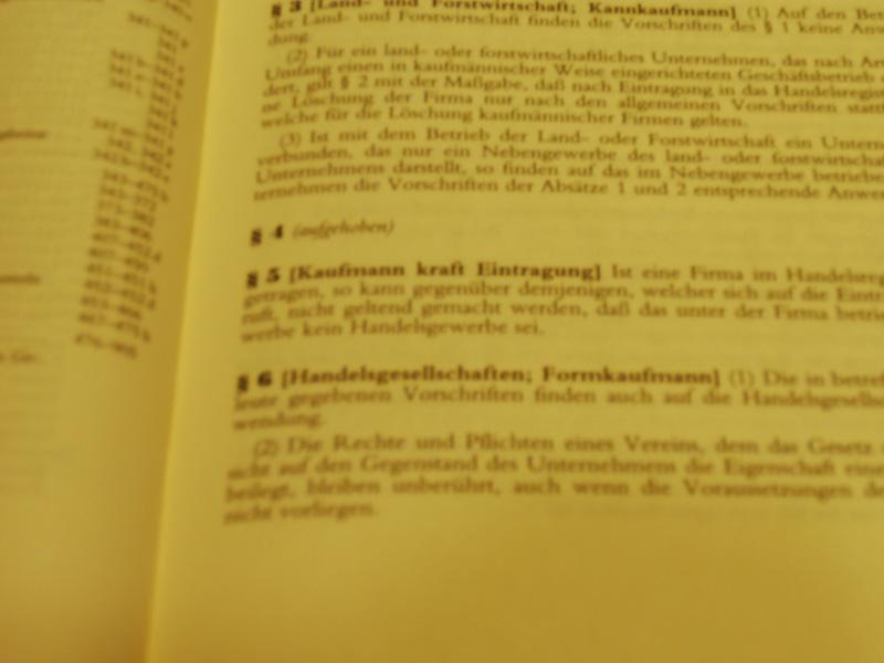 Das Handelsgesetzbuch legt schon in den ersten Paragraphen fest, was und wer ein Kaufmann ist. (Foto: ts / cc-by-sa)