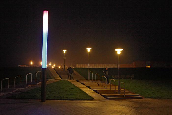 Die LED-Stelen in Norddeich sparen Strom und sind nun preisgekrönt. (Foto: Stadt Norden)