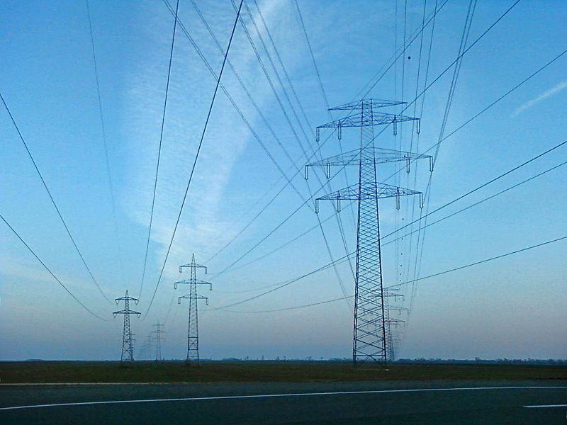 Bislang betreibt die EWE das Norder Stromnetz – das soll sich nach dem Willen der Stadtwerke ändern. (Foto: M.Dufek / Wikipedia, cc-by-sa)