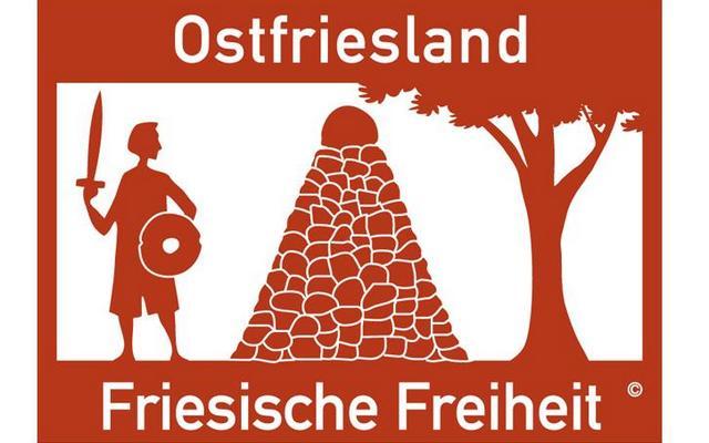 Der Aufkleber zum Autobahnschild ist bei der Ostfriesischen Landschaft erhältlich. (Foto: Ostfriesische Landschaft)