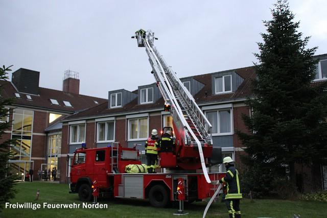 Übung der Freiwilligen Feuerwehr Norden in der Ubbo-Emmius-Klinik. (Foto: E. Weege)