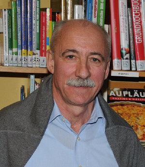 """Lothar Englert liest am Sonntag, 2. November im Leezder Kufo (Am Sandkasten 69, 26529 Leezdorf) ab 11.00 Uhr aus seinem Bestseller-Roman """"Friesische Freiheit"""". (Foto: Leezder Kufo)"""