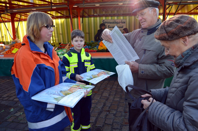 Am 01.11.2014 startete der Verkauf des Ludgeri Adventskalenders. (Foto: M. Klaassen)